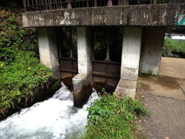 10 円形分水までの水はここから.JPG