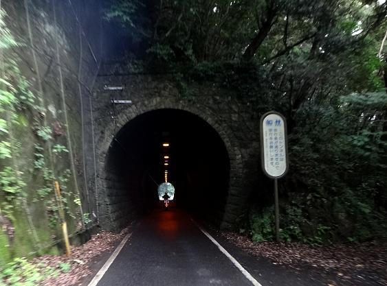 11 温泉鉄道の道.JPG