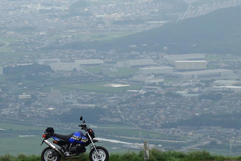 12 バイクがちっこいので景色がいっぱい見える.JPG