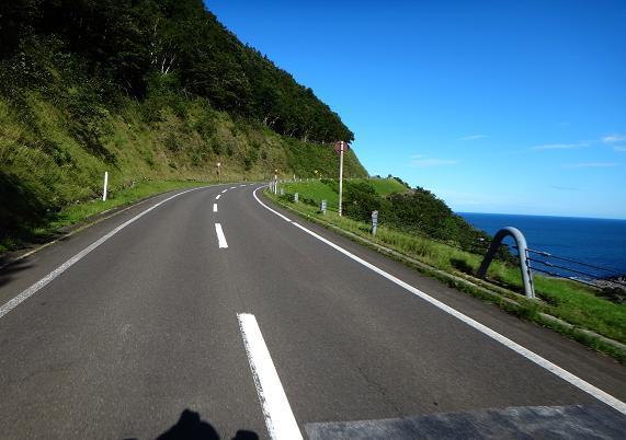 12 世界遺産の岬を走っています.JPG