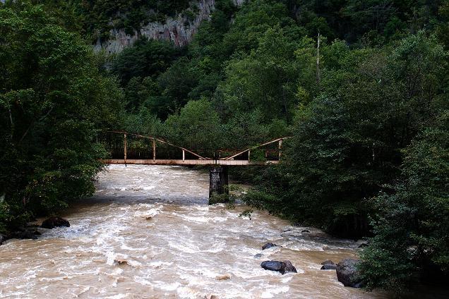 12 層雲峡の下の鉄橋.JPG