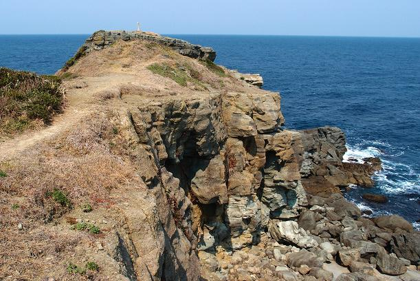 14 結構な断崖です.JPG