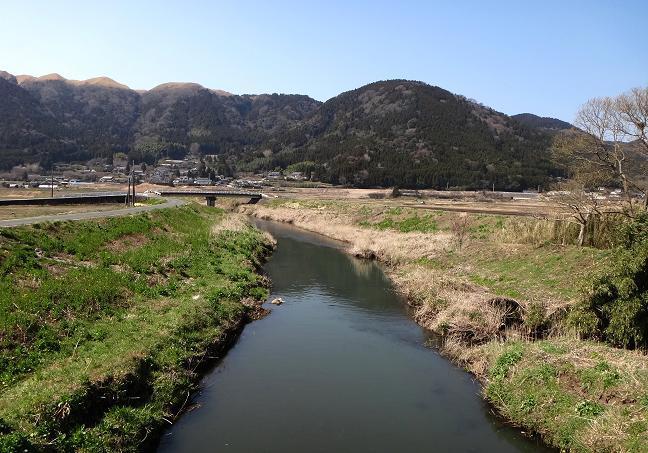 15 春の小川.JPG