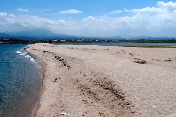17 河口にこんな砂丘があるけどいいと?.JPG