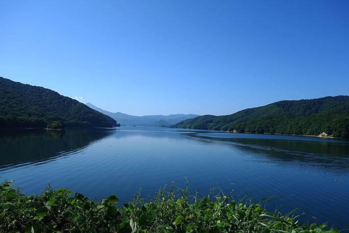 19 静かな湖面.JPG