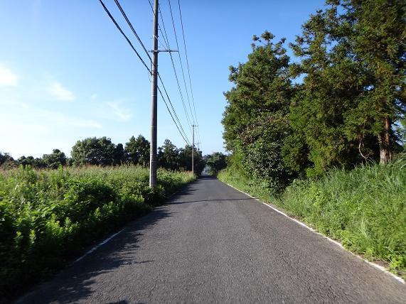 1 いきなり田舎道からスタート.JPG