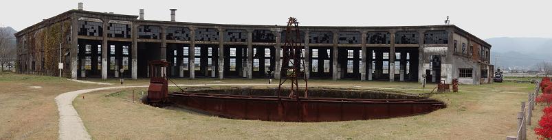 21 機関庫の廃墟.JPG