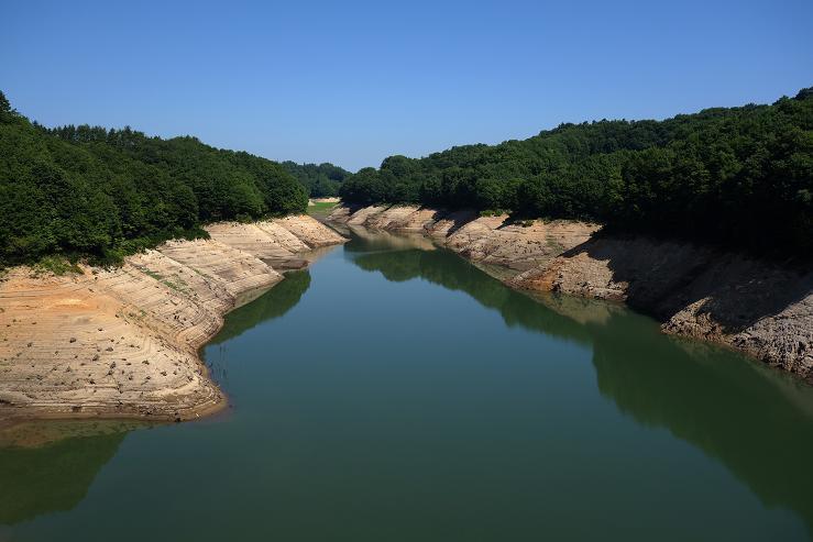 22 綺麗なダム.JPG