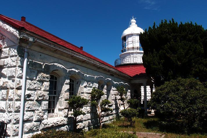 24 美しい明治の灯台.JPG