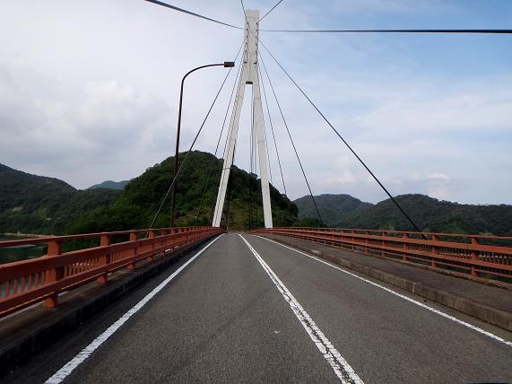 28 ダムの橋.JPG