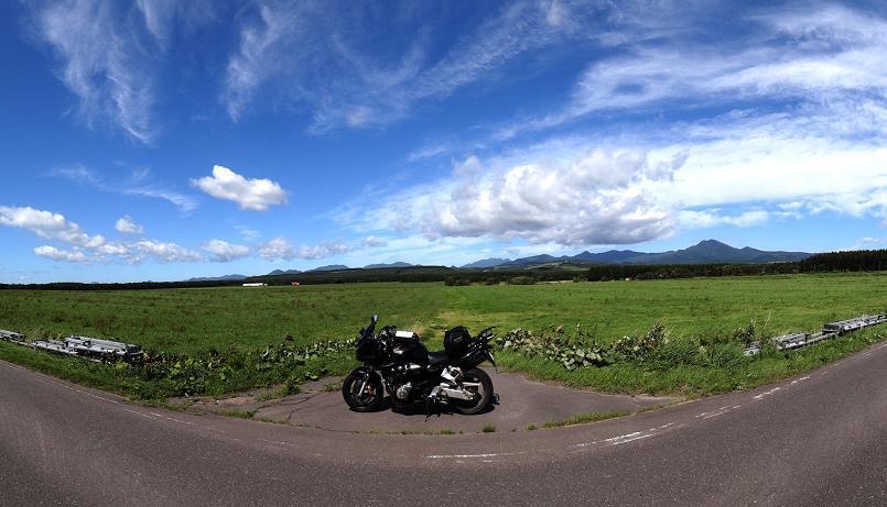 29 大草原とヤマセミ号.JPG