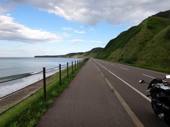 32 岬までの道.JPG