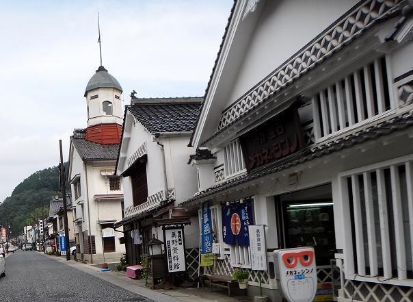 35 倉庫を改造した教会.JPG