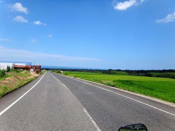 41 日本海が見えてきた.JPG