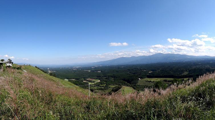 43 見えてる山は宮崎県の祖母山.JPG