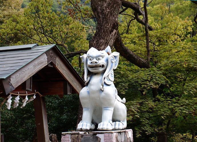 45 陶器の狛犬様.JPG