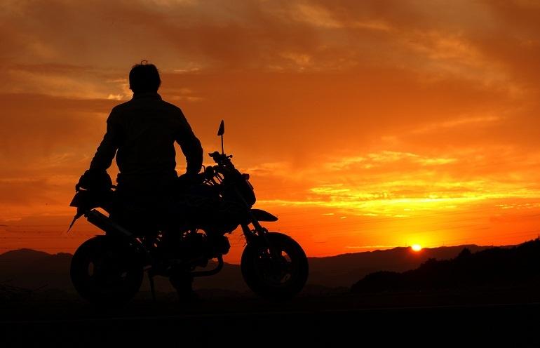 46 ちびっ子バイクだと絵にならんな。.jpg