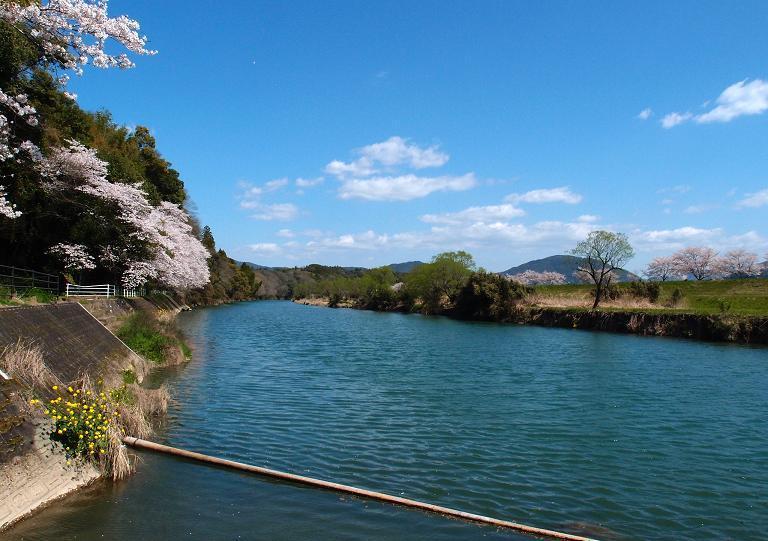 5 心も洗う川の風景.JPG