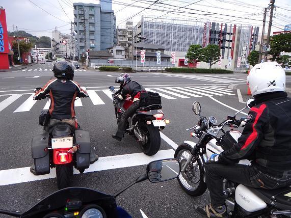 7 とり天さんの先導ブンブン.JPG