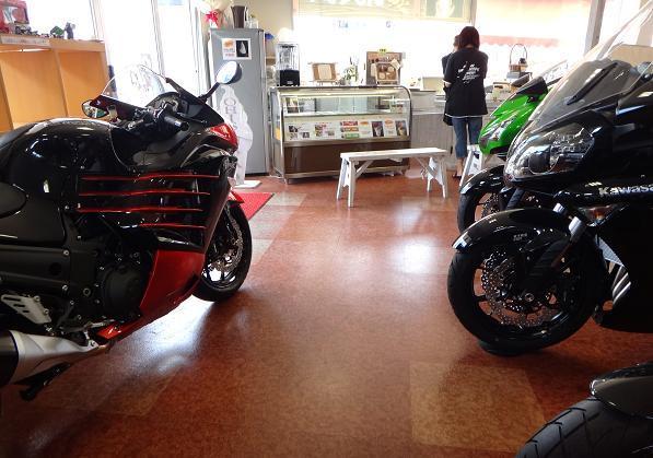 8 バイクとスィーツ.JPG