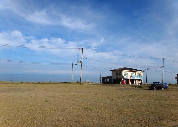 8 静かな海の家.JPG
