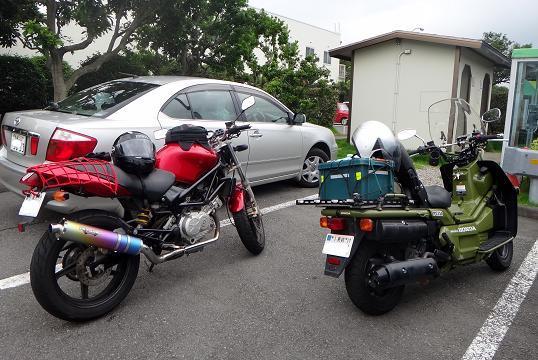 9 肥前さんとひろさんのバイク.JPG