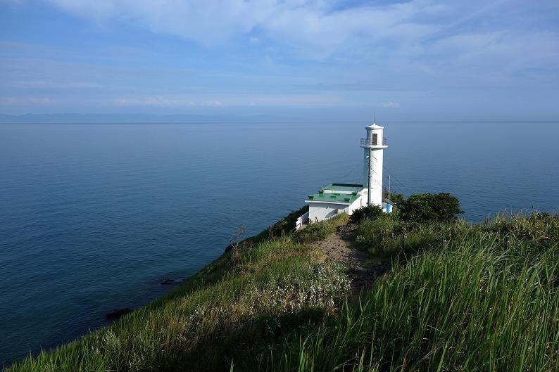 岬の灯台は白が似会う.JPG