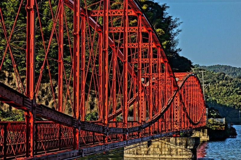 33 鉄橋はやっぱり赤だな.JPG